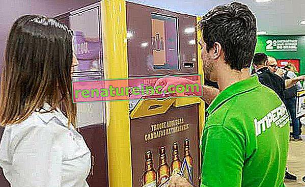 Празни машини за събиране на бутилки бира ще намали продукти, за да насърчи повторната употреба