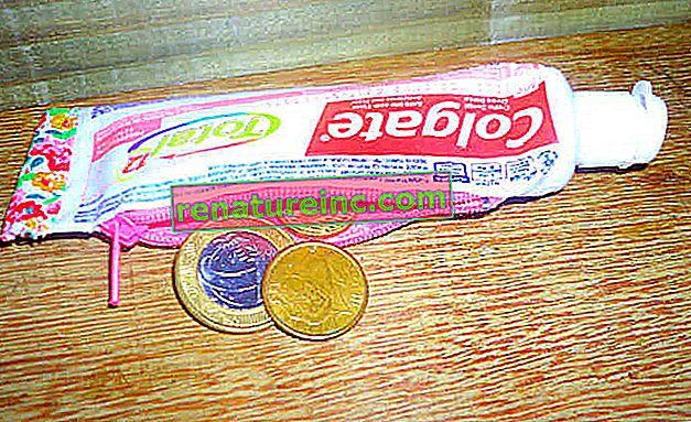 Monedero elaborado con tubo de pasta de dientes