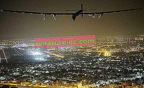 L'avion Solar Impulse 2 termine son tour du monde