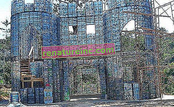V Panami je vas zgrajena le s hišami iz plastičnih steklenic